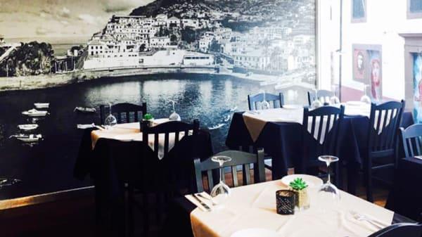 Sala do restaurante - Deserta Pequena, Câmara de Lobos