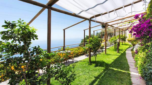 Giardino - Ristorante Holidays fico d'india AmalfiCoast, Furore