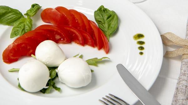 Mozzarella di bufala campana DOP - D'Aiello's Family, Positano