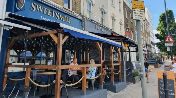 Sweetsmile Bakery and Patisserie, London