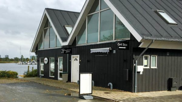 Ute - Cafe SeSa, Ishøj