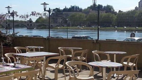 Terrasse - Le Pavillon Bleu, Avignon