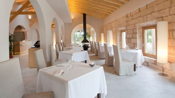 Vista sala - Fontsanta Restaurant Adults Only, Campos