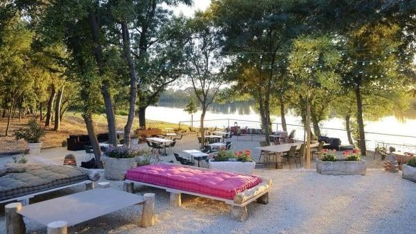 Terrasse - Gipsy Beach du Patio de Camargue, Arles