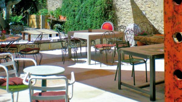 Vue des tables - Le Jardin en Ville, Carcassonne