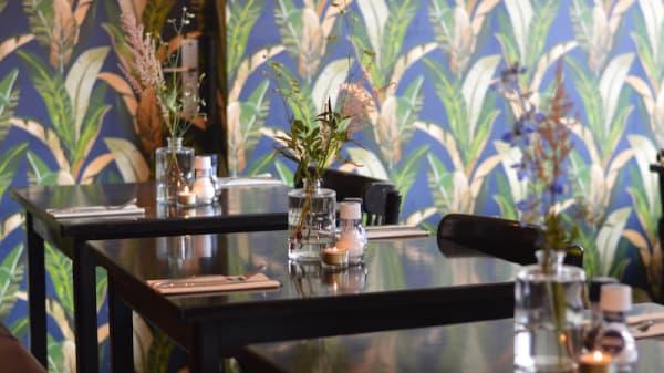 Tafel - Café Aimée, Den Haag