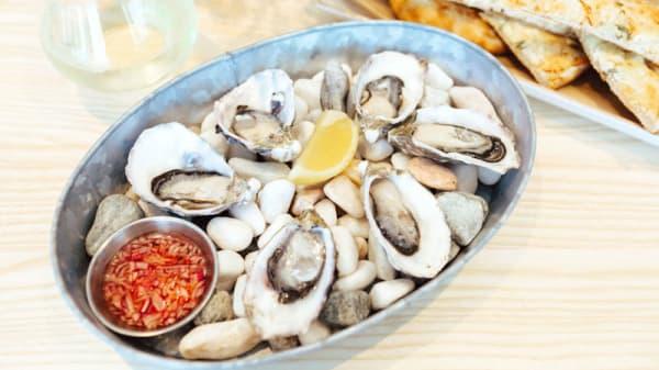Natural Oysters - Miami Tavern, Miami