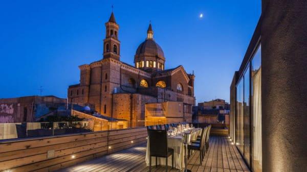 Terrazza panoramica con vista sul Duomo - Le Traveggole