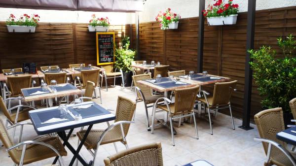 Zoom sur la terrasse - Brasserie Restaurant L'Ardennais, Reims
