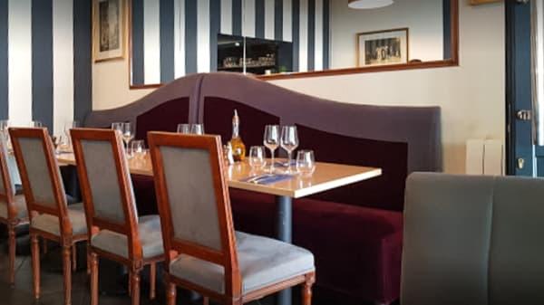Salle du restaurant - Vernazza, Paris