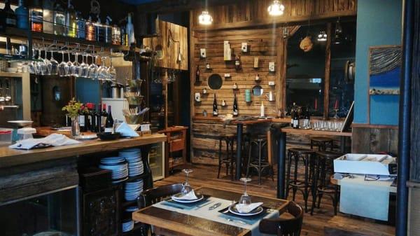 Sala del restaurante - MercaMaris, Corcubion