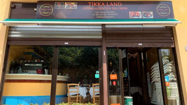 Tikka Land, Milano