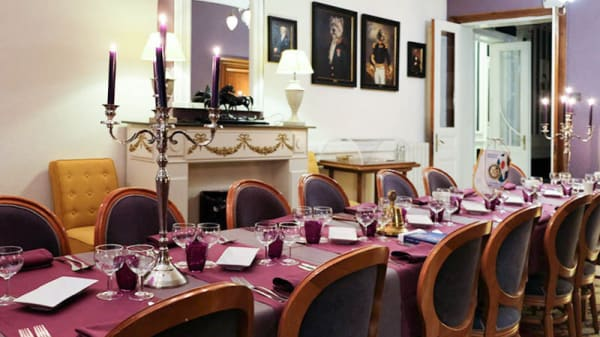 Salle de banquet pour masx 33 couverts - La Table d'Or, La Louvière