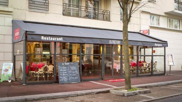 Façade du resto - La Factory Burger, Issy-les-Moulineaux