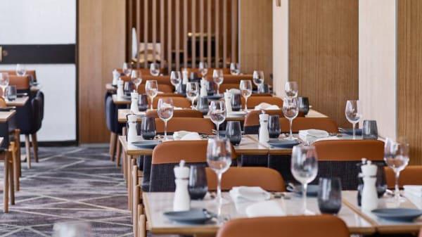 Restaurant - The Cliveden Bar & Dining, East Melbourne (VIC)
