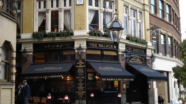 Walrus & Carpenter, London