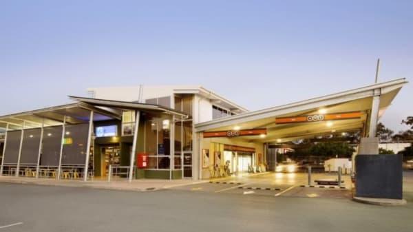 Victoria Point Tavern, Victoria Point (QLD)