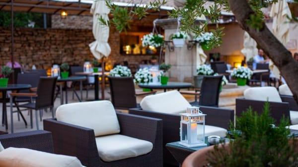 terrasse - Le Café de la Fontaine, Joucas