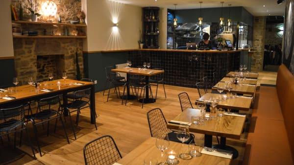 Salle du restaurant - Colibri, Dinan