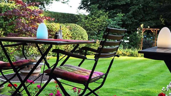 Table sur la terrasse - Rêve Richelle, Waterloo