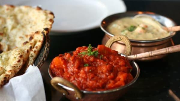 Indian Oven - Authentic Cuisine & Bar, Tusmore