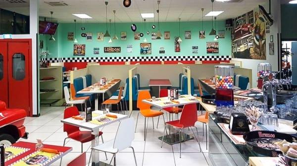Interno - Arnold's, Terni