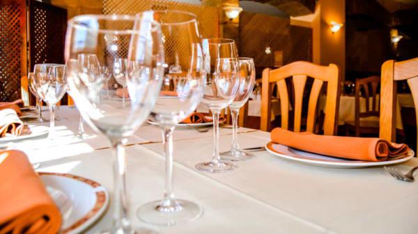 Detalle mesa - Asador Avileño, Villanueva De Perales