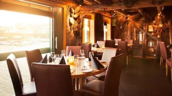 Restauranten indefra - Naustet Spiseri, Haugesund