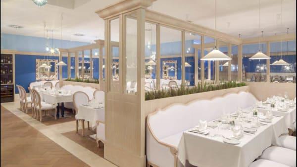 Vista da sala - Cobalt Restaurant, Vau