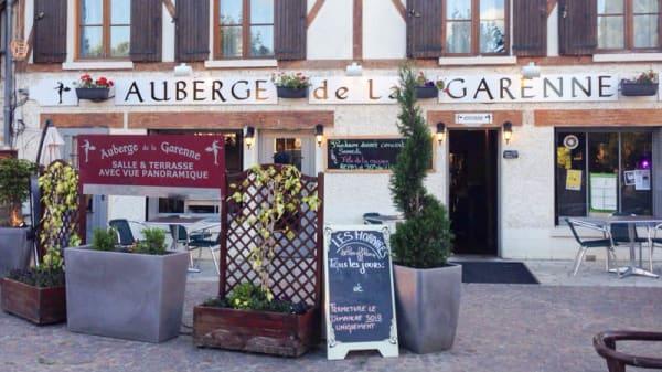 Devanture - Auberge de la Garenne, Saint-Rémy-l'Honoré