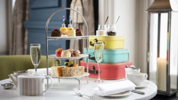Course's suggestion - The Tea Lounge at The Clermont Victoria, London