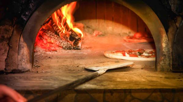 Horno - Pizzeria Peppone by Abruzzo, Castelló de la Plana