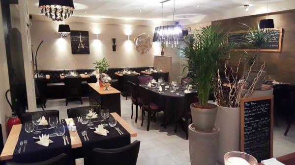Salle - Carte sur Table, Mantes-la-Jolie