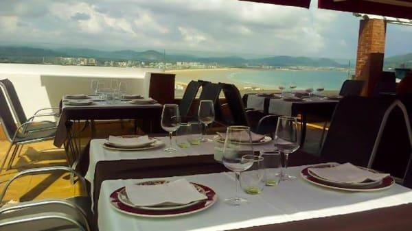 Terraza del Restaurante - Risco Cantabria Experience, Laredo
