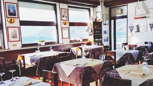 Vista sala - Ristorante - Pizzeria AVAV DAL Tony, Luino