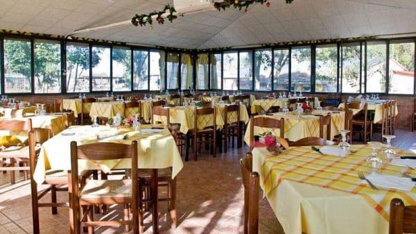 Vista sala - Casal Damiano, Aprilia
