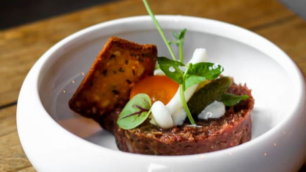 SuggestieSteak Tartaar - Gastrobar RIX, Tilburg