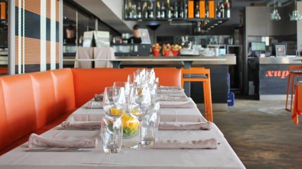 Mesa grupo detalle interior - Xup Xup Restaurant, Barcelona