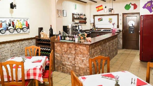Vista del interior - IL Salento Pizzeria Italiana, Torrevieja