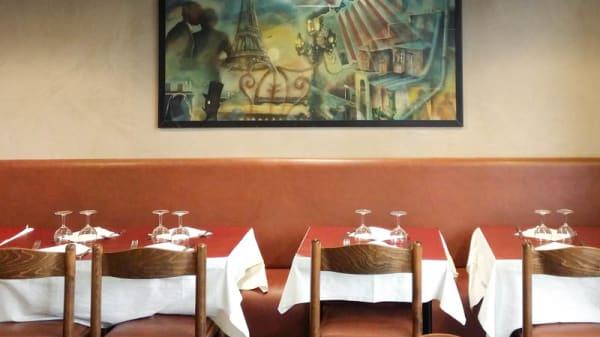 Vue détail tables - Restaurant La Poutre - Montmartre, Paris