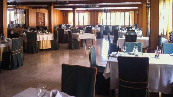 Sala - La Duquesa - Hotel, Pinos Genil