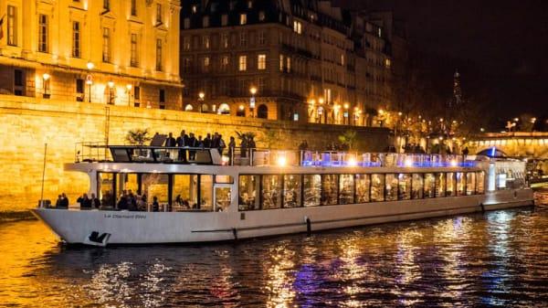 Bateau le Diamant Bleu - La Croisière de Paris - Le Dîner Festif, Paris