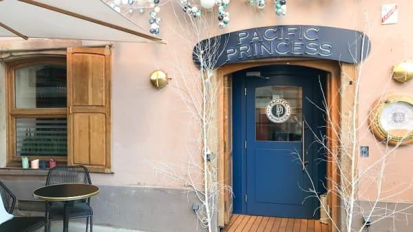 Entrée - Pacific Princess, Strasbourg
