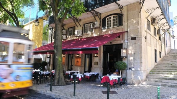 Fachada - Café no Chiado, Lissabon