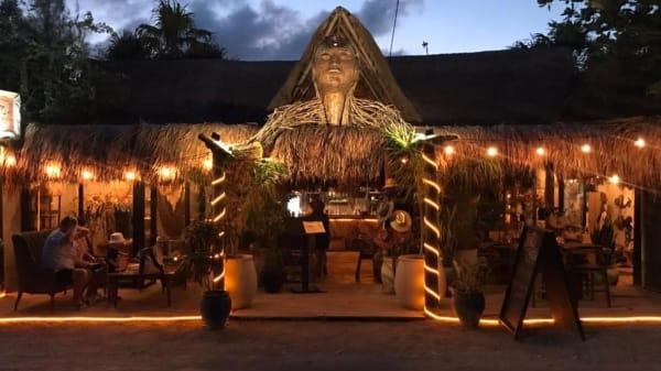 Santo Mercado  - Tulum, Zona Hotelera Tulum