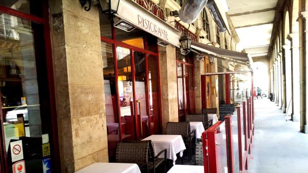Zoom sur la terrasse - Ristorante Domenico, Paris