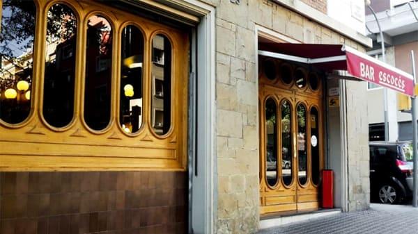La entrada - El Escocés, Barcelona