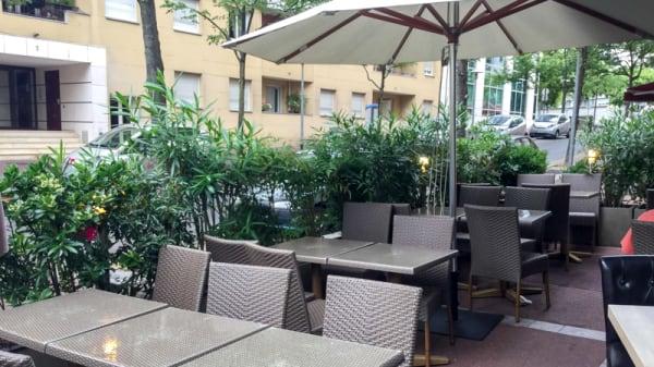 terrasse - Farah Mahal, Issy-les-Moulineaux