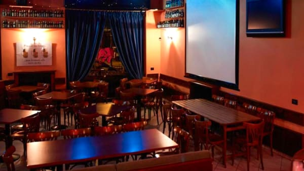 Sala - Delirium Pub, Merate