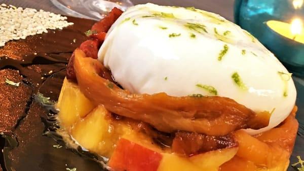 Burrata con Mango, Peperoni, Acciughe e Polvere di Cappero - Senzalisca, La Spezia